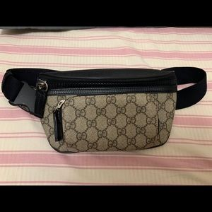 Handbags - Gucci Fanny pack